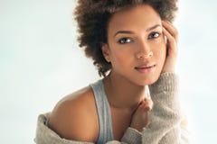 Mooie Afrikaanse Vrouw stock fotografie