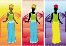 Mooie Afrikaanse vrouw in authentieke etnische toga Royalty-vrije Stock Afbeeldingen