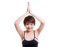 Mooie Aziatische gezonde girl do yoga stelt Royalty-vrije Stock Foto