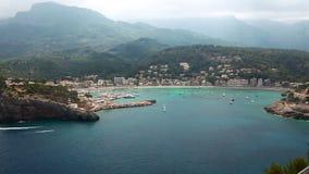 Mooie baai in Port DE Soller, het Eiland van Mallorca, Spanje stock footage