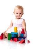 Mooie baby die een kasteel bouwt Royalty-vrije Stock Fotografie
