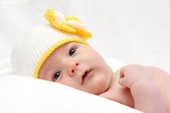Mooie baby in gebreide hoed Royalty-vrije Stock Afbeelding