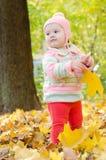 Mooie baby in het hout Stock Foto