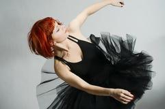 Mooie ballerina die zwarte draagt royalty-vrije stock foto