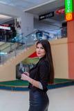 Mooie bedrijfsdame Commercieel centrum Stock Afbeeldingen