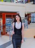 Mooie bedrijfsdame Commercieel centrum Royalty-vrije Stock Foto