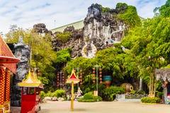Mooie beeldhouwwerken bij de ingang van Phuket-fantasea, de bar Stock Foto's