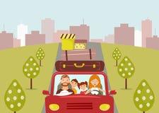 Mooie beeldverhaalfamilie: de jonge man, de vrouw, de zoon en de dochter gaan naar vakantie Het mamma drijft een rode auto vector illustratie