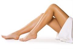 Mooie benen op wit royalty-vrije stock afbeelding