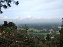 Mooie berg met wolk Stock Foto's