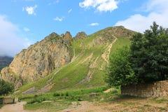 Mooie bergen in Gusar-gebied van Azerbeidzjan Stock Afbeeldingen