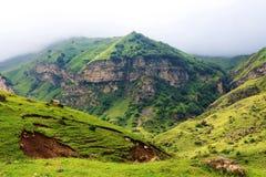 Mooie bergen in Gusar regionof Azerbeidzjan Stock Foto