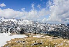 Mooie bergen met sneeuw Stock Foto
