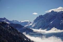 Mooie bergmeningen in Verbier stock fotografie