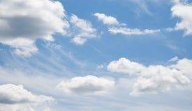 Mooie blauwe hemel Royalty-vrije Stock Afbeeldingen