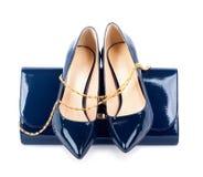 Mooie blauwe schoenen met koppelingen Royalty-vrije Stock Foto's