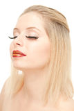 mooie blond met verlengt wimpers Stock Afbeeldingen
