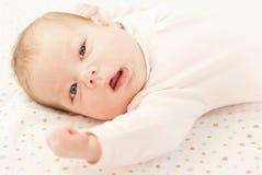Mooie blonde baby royalty-vrije stock foto's