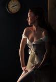 Mooie blonde haired vrouw in bruids kleding Stock Afbeeldingen