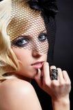 Mooie blonde in sluier stock fotografie