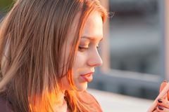 Mooie blonde tiener royalty-vrije stock foto's