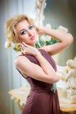 Mooie, blondevrouw Stock Afbeeldingen