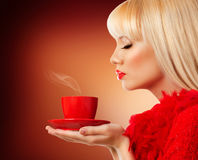 Mooie blondevrouw met koffie Royalty-vrije Stock Foto