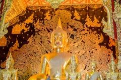 Mooie Boedha in Boeddhisme de verering van de Thaise mensen stock foto