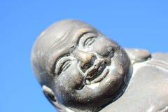 Mooie Boedha staty in de zon stock fotografie
