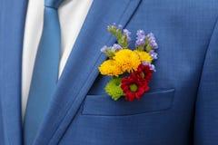 Mooie boutonniere van de bruidegom Stock Afbeelding