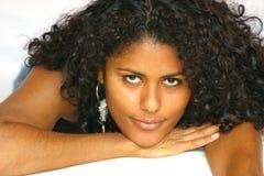 Mooie Braziliaanse vrouw stock afbeelding