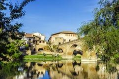 Mooie brug in het dorp Royalty-vrije Stock Afbeeldingen