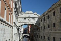 Mooie Brug van Sighs in Venetië royalty-vrije stock afbeelding