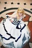 Mooie bruid in huwelijkskleding Stock Fotografie