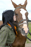 Mooie brunette met paard Royalty-vrije Stock Foto