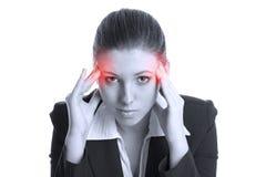 Mooie brunette met vreselijke hoofdpijn Stock Foto's
