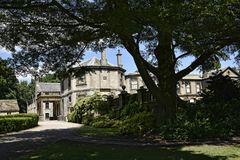 Mooie Buitenhuis en Tuin dichtbij Leeds in West-Yorkshire dat geen Nationaal Vertrouwen is royalty-vrije stock fotografie