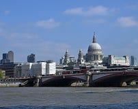 Mooie cityscape van Londen stock foto's