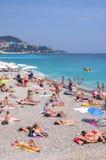 Mooie daglichtmening aan het strand van de Kooid ` van Nice azur in Frankrijk royalty-vrije stock afbeelding