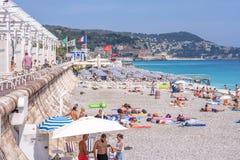 Mooie daglichtmening aan van de Kooid ` van Nice het strandtoevlucht azur in Fran stock afbeeldingen