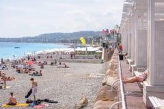 Mooie daglichtmening aan van de Kooid ` van Nice het strandtoevlucht azur in Fran stock foto