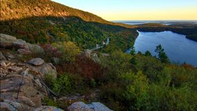 Mooie dalingskleuren van het Nationale Park van Acadia in Maine de V.S. stock foto