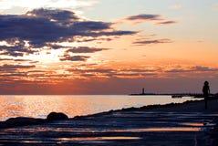 Mooie dalingszonsondergang op het strand Stock Foto's
