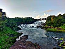 Mooie dam met rivier royalty-vrije stock foto's
