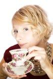 Mooie dameportret het drinken thee Stock Foto's