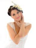 Mooie de lentevrouw met zuivere huid en bloemen Stock Afbeelding