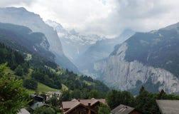 Mooie de riviervallei van Weisse Lutschine in Alpen, Zwitserland Stock Afbeeldingen