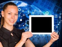 Mooie de tabletpc van de onderneemsterholding met Royalty-vrije Stock Afbeeldingen