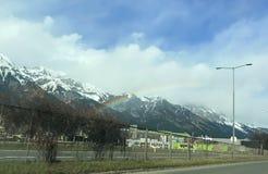 Mooie de winterregenboog over Tirol royalty-vrije stock fotografie