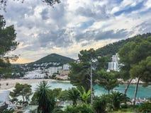 Mooie de zomeravond in Cala Llonga, Ibiza royalty-vrije stock afbeelding